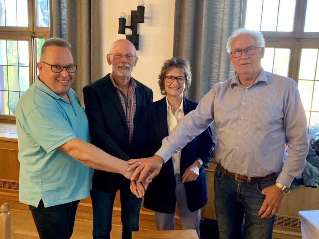 vlnr: Beigeordneter Peter Muth, 1. Beigeordneter Klaus Anderweit, Ortsbürgermeisterin Claudia Bläsius-Wirth, Beigeordneter Werner Willius